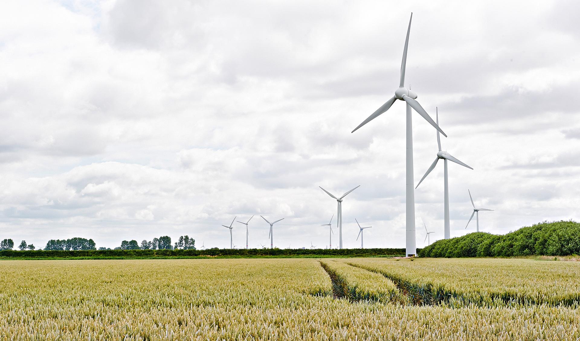 Éoliennes dans un paysage